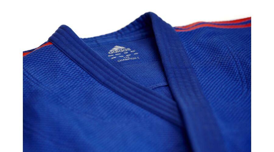 053958454 Adidas Champion II. IJF kék Judo gi, piros vállszövéssel.